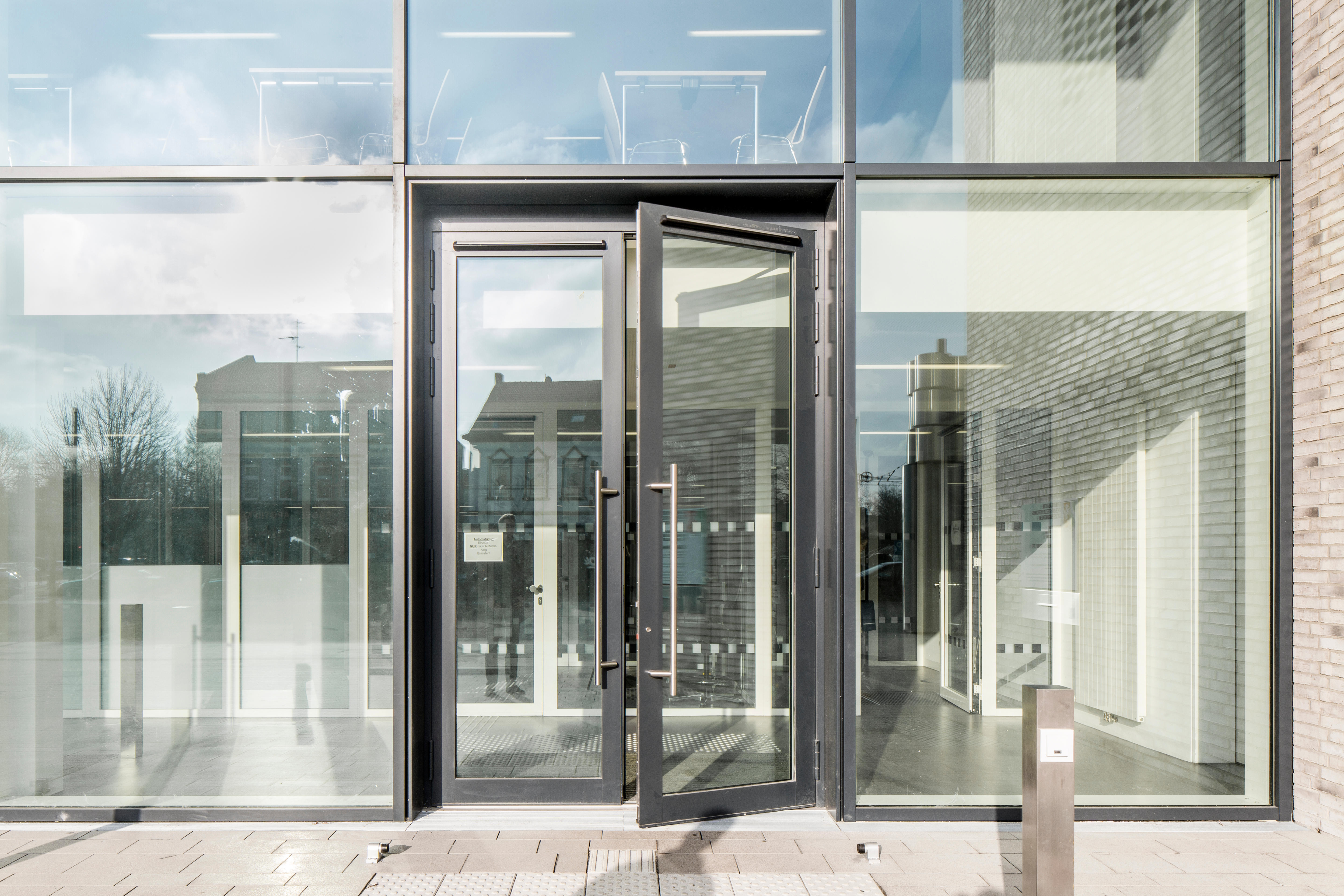 Construction of the new courthouse in Gelsenkirchen & Welcoming Vibes - Doors Suppliers - Page 3 of 6 - Design Middle East