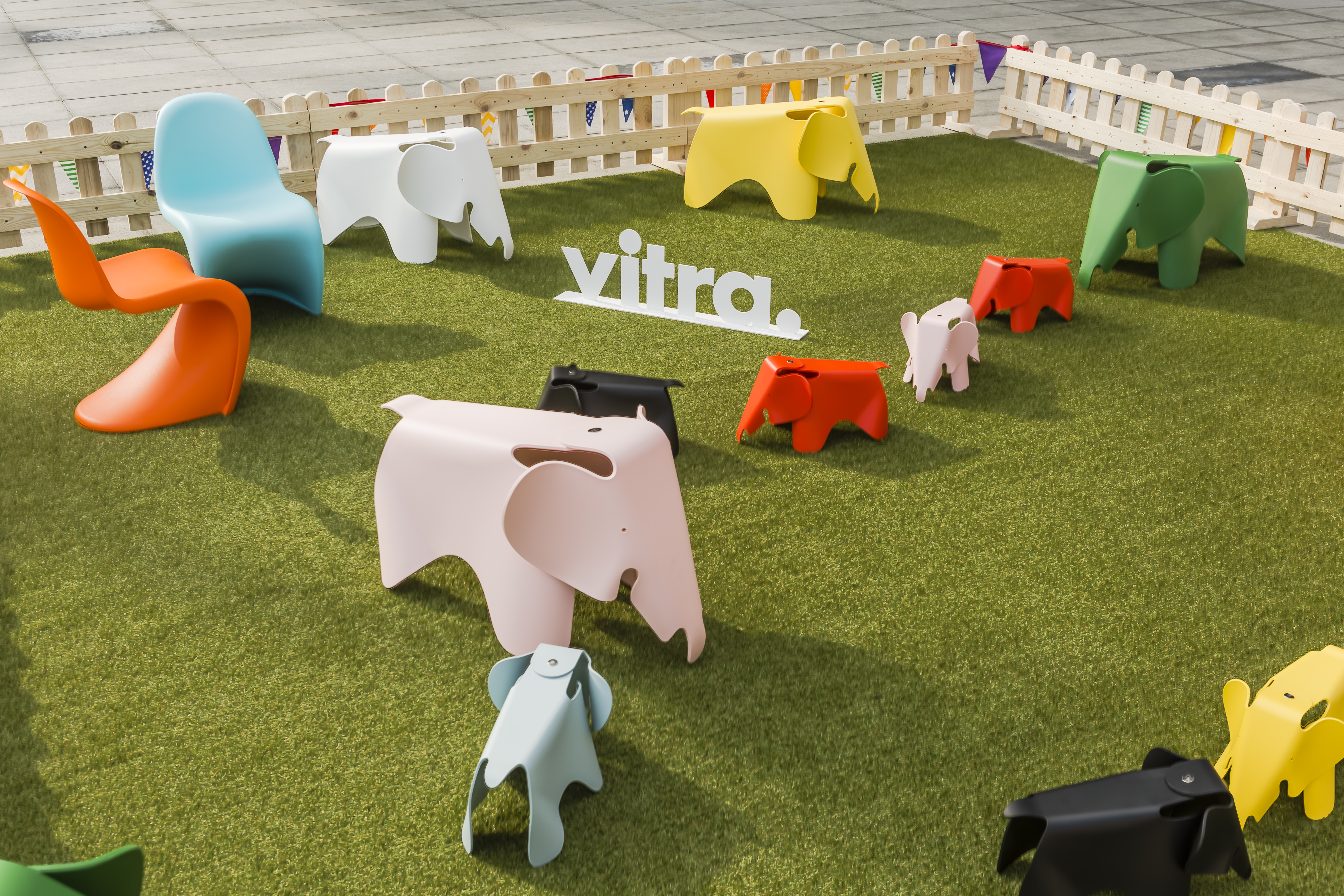 Swiss Design Brand Vitra Has Partnered With Le Bhv Marais To Open Its First Dedicated Home Accessories And Furniture Retail E Within A Department